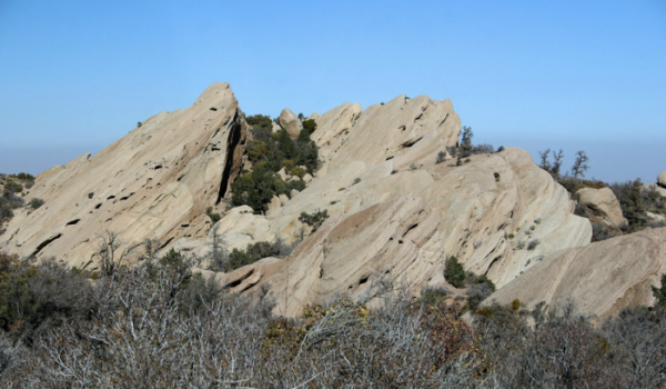 devil's punchbowl rock climbing los angeles