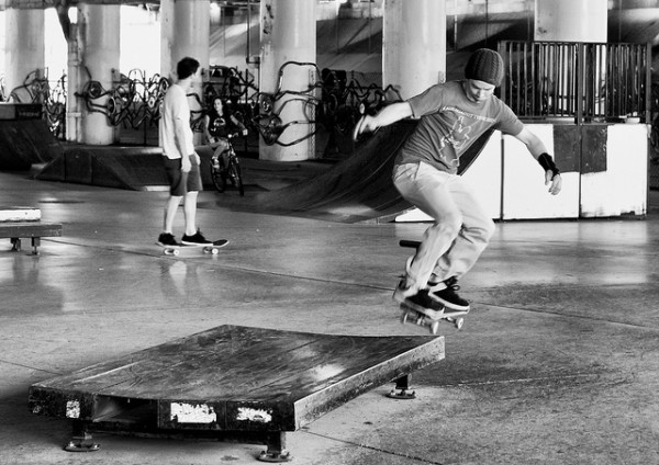 logan square skate park chicago best skate parks