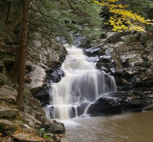 5 best day hikes near boston waconah falls state park